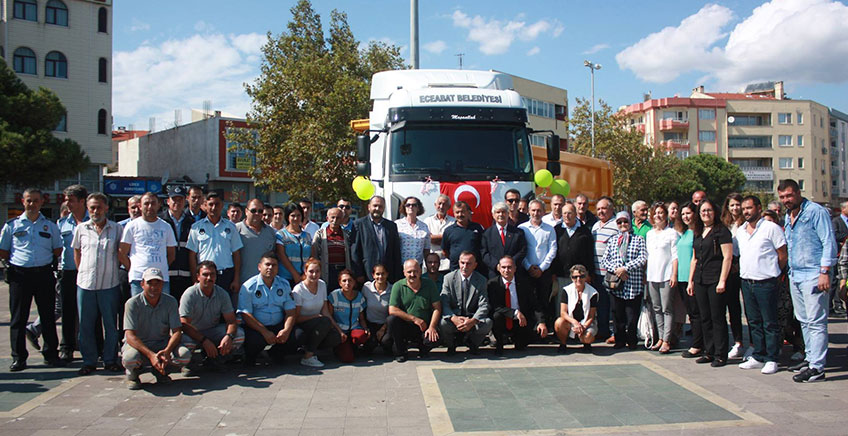 Eceabat Belediyesi Yeni Aracını Hizmete Sundu