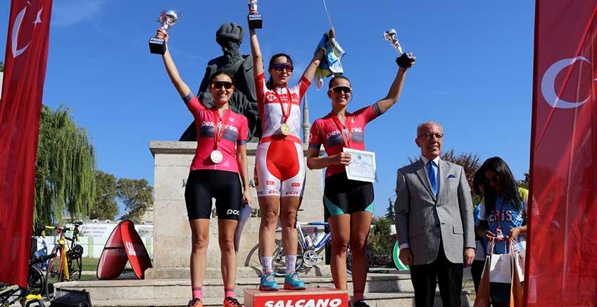 9. Cumhuriyet Bayramı Kupası Bisiklet Yol Yarışı Tamamlandı