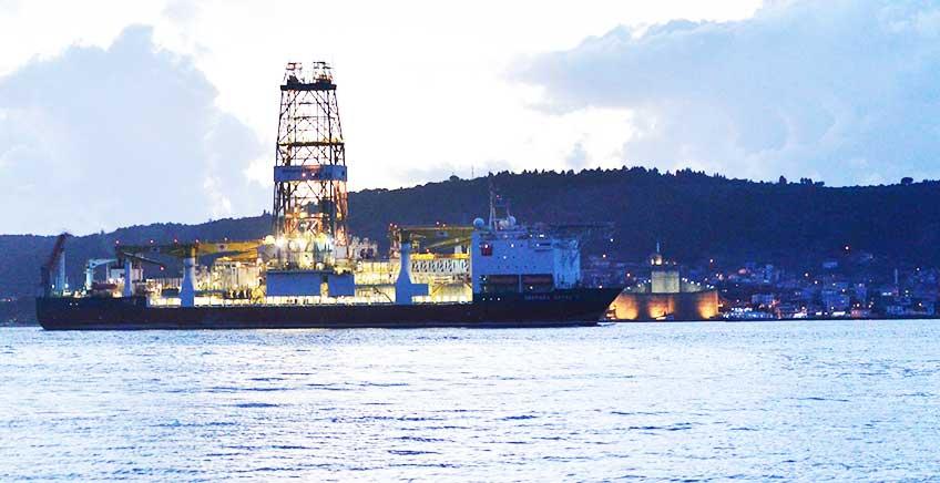 İlk Sondaj Gemimiz Çanakkale'den Geçti